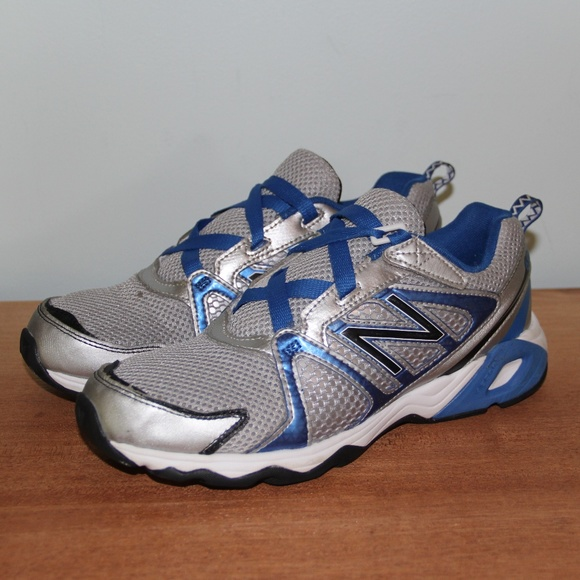 huge selection of 52dc9 82158 New Balance 696 Running Shoes 6.5Y Women's 8